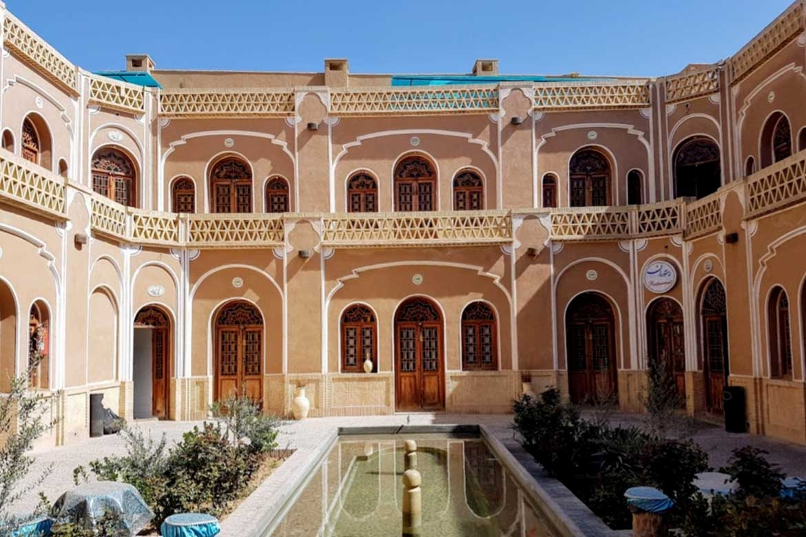 Visiting yazd's old houses